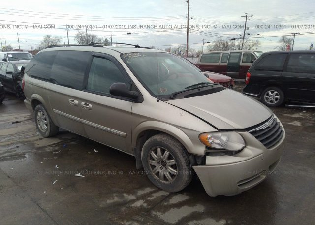 Inventory #533412837 2005 Chrysler TOWN & COUNTRY