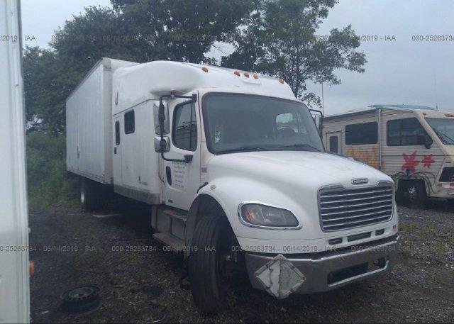 Inventory #596870990 2005 FREIGHTLINER M2