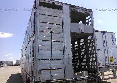 2011 BARRETT TRAILERS INC LIVESTOCK - 1B9L53205B1014042 front view