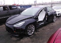 2018 TESLA MODEL 3 - 5YJ3E1EB8JF097076 Right View