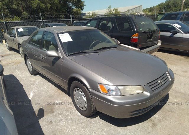Toyota Dealers In Kansas >> 4t1bg22k1xu396419 Clear Dealer Only Gold Toyota Camry At