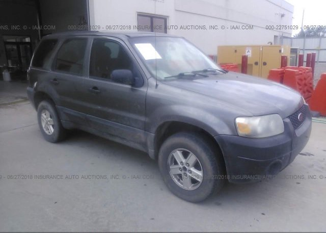 Inventory #660841757 2005 FORD ESCAPE
