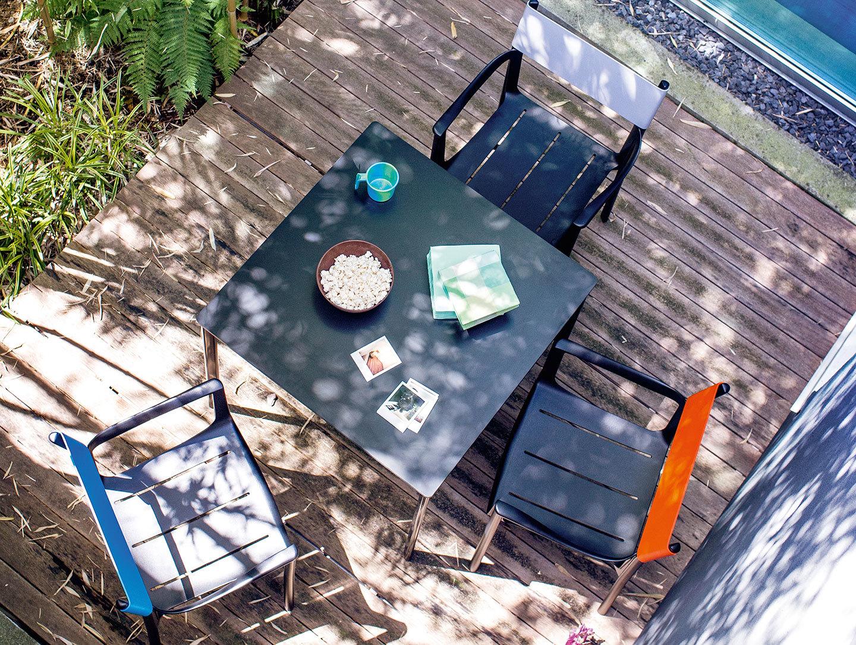 Magis Striped Table Outdoor Ronan Erwan Bouroullec