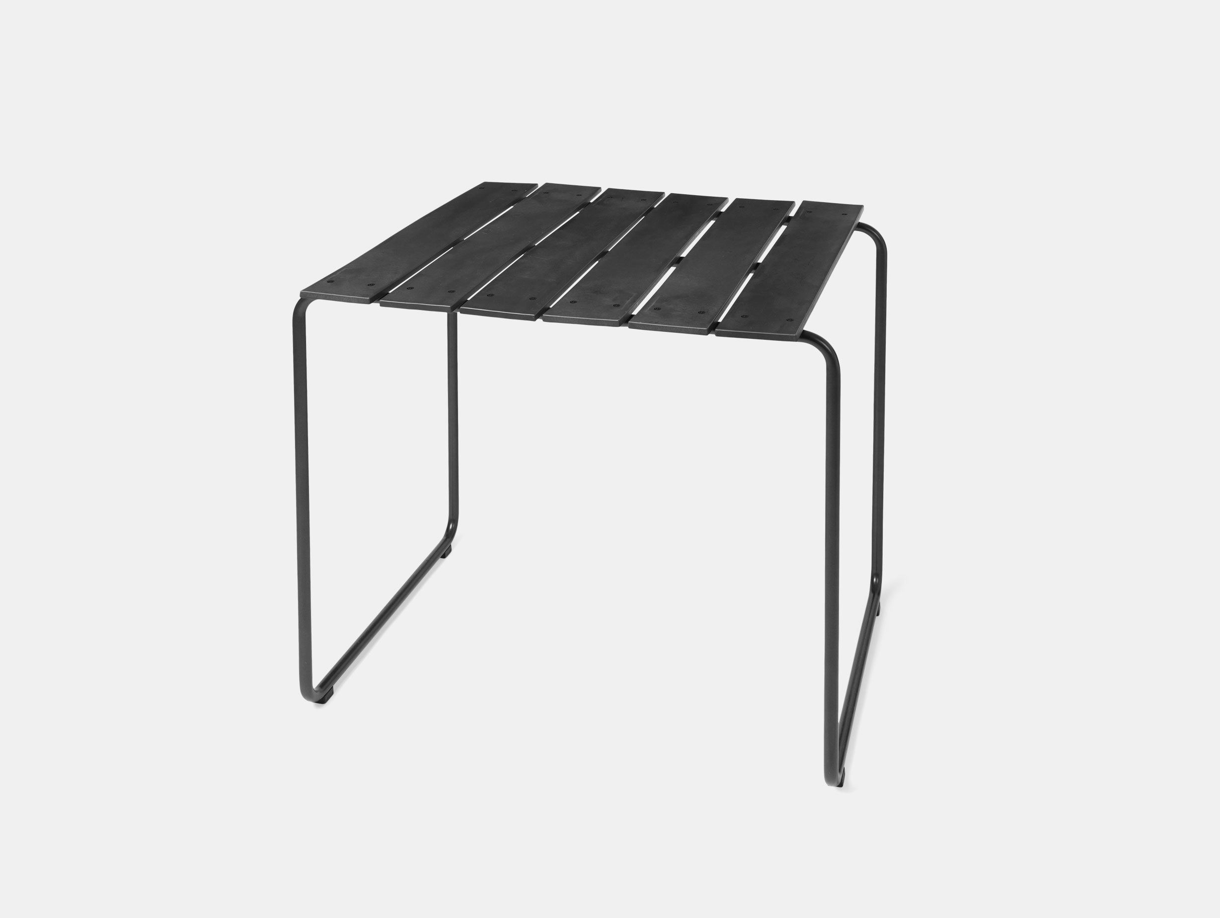 Mater Ocean Table 70X70 Black Nanna Ditzel