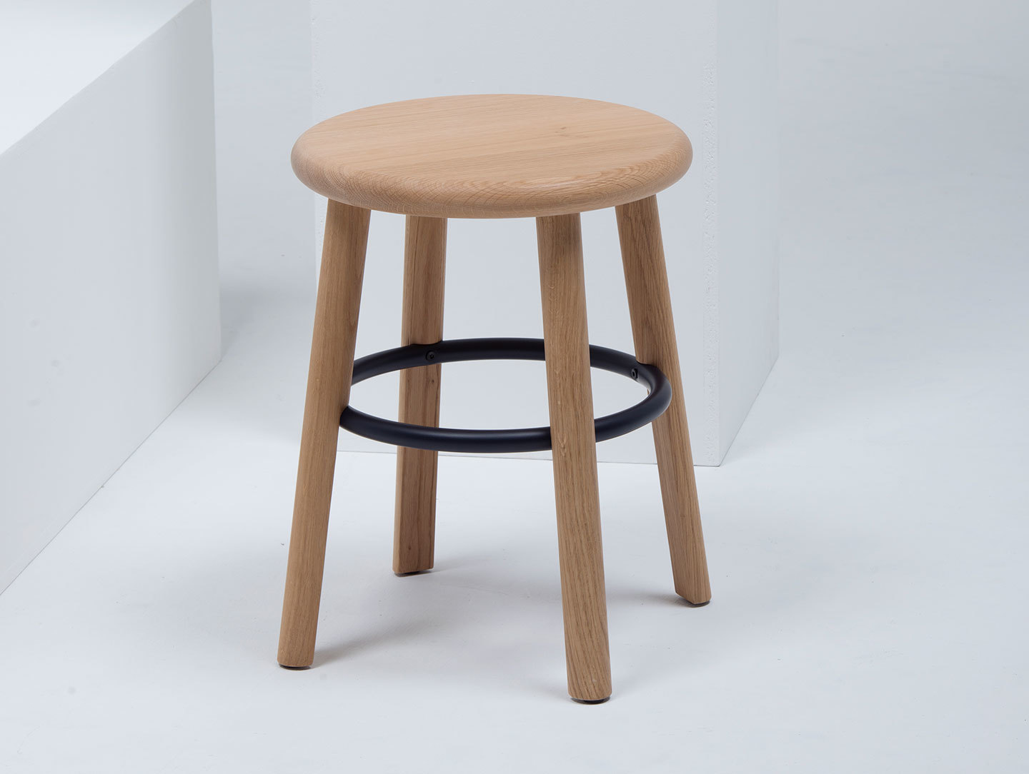 Mattiazzi Solo Stool Low Oak Detail Studio Nitzan Cohen