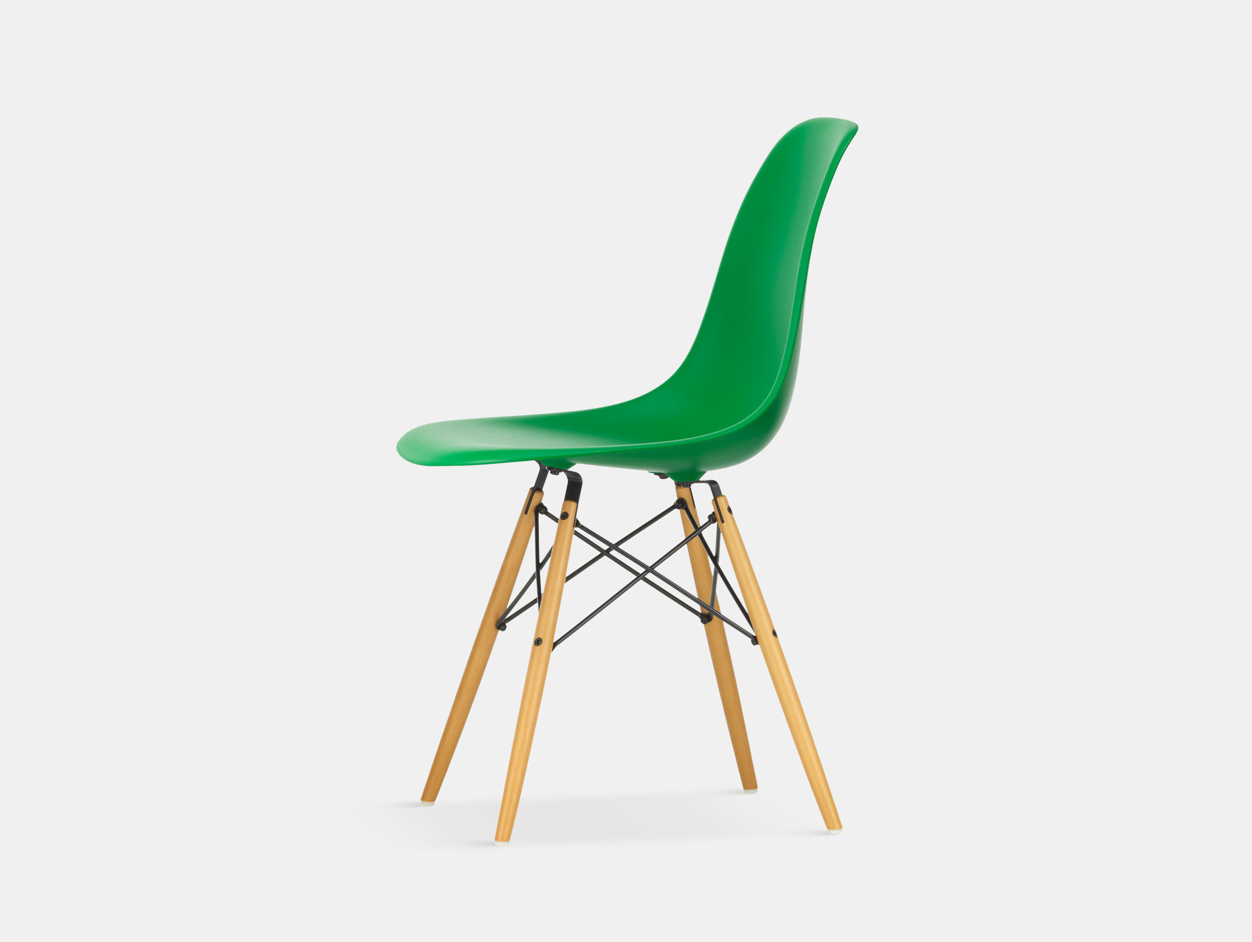 Vitra Eames DSW Plastic Side Chair green golden maple legs
