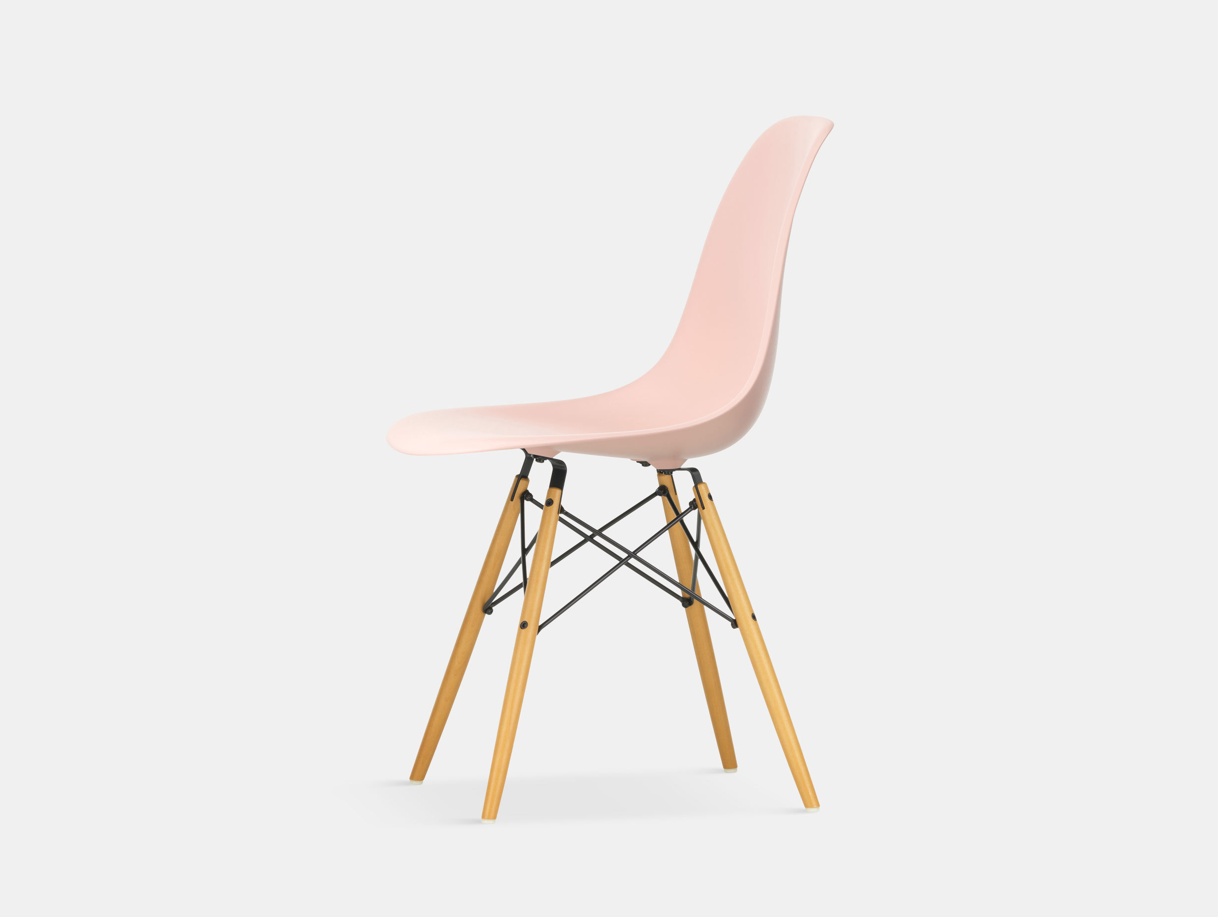 Vitra Eames DSW Plastic Side Chair pale rose golden maple legs
