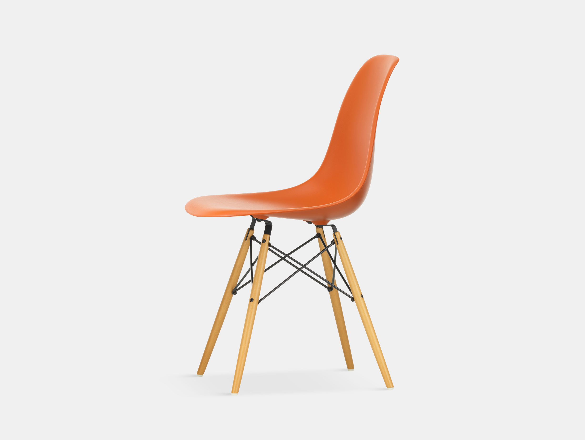 Vitra Eames DSW Plastic Side Chair rusty orange golden maple legs