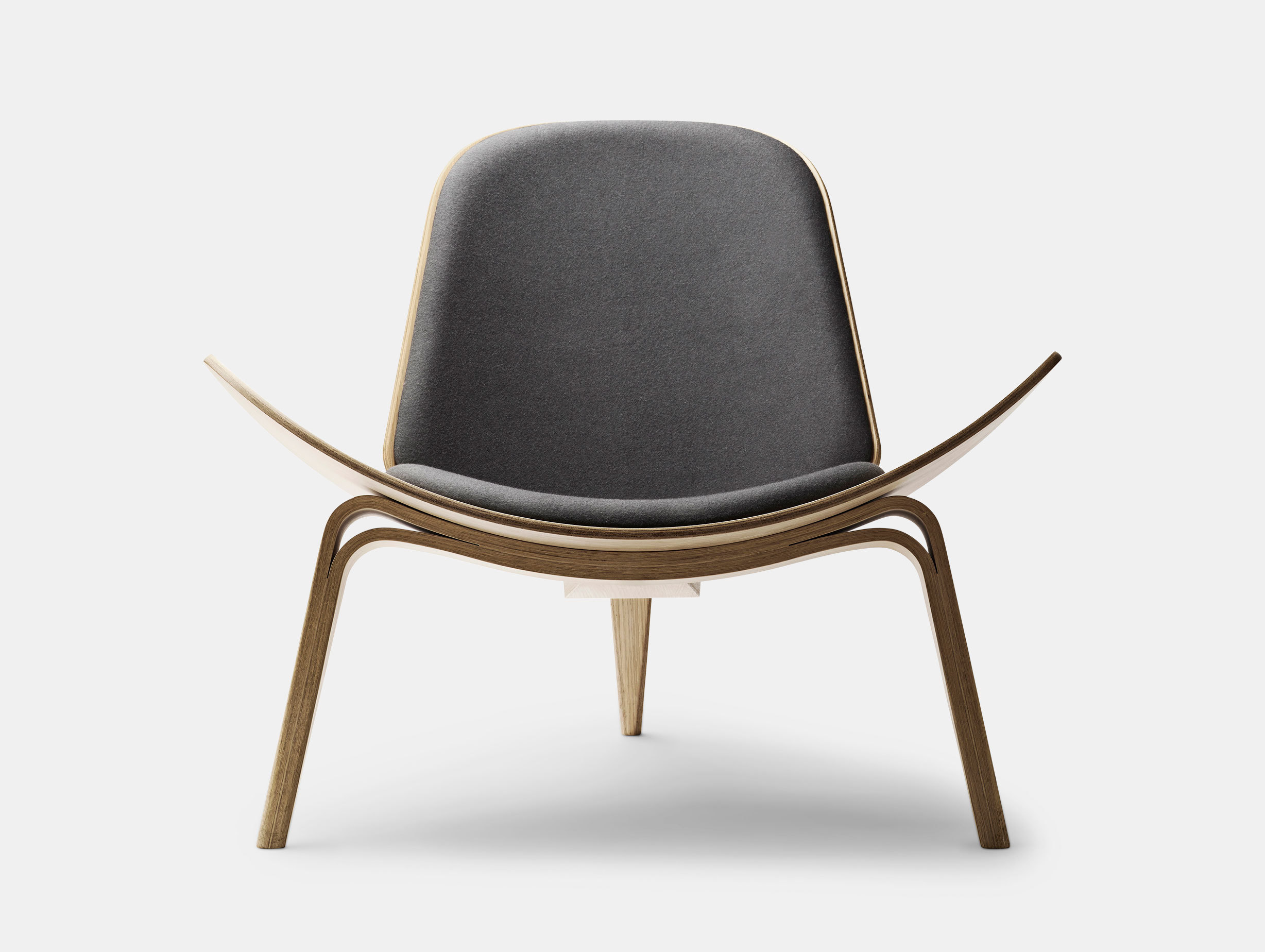 CH07 Shell Chair image 3