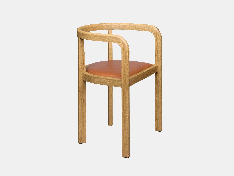 E15 Stuttgart Chair Oak leather whiskey Richard Herre