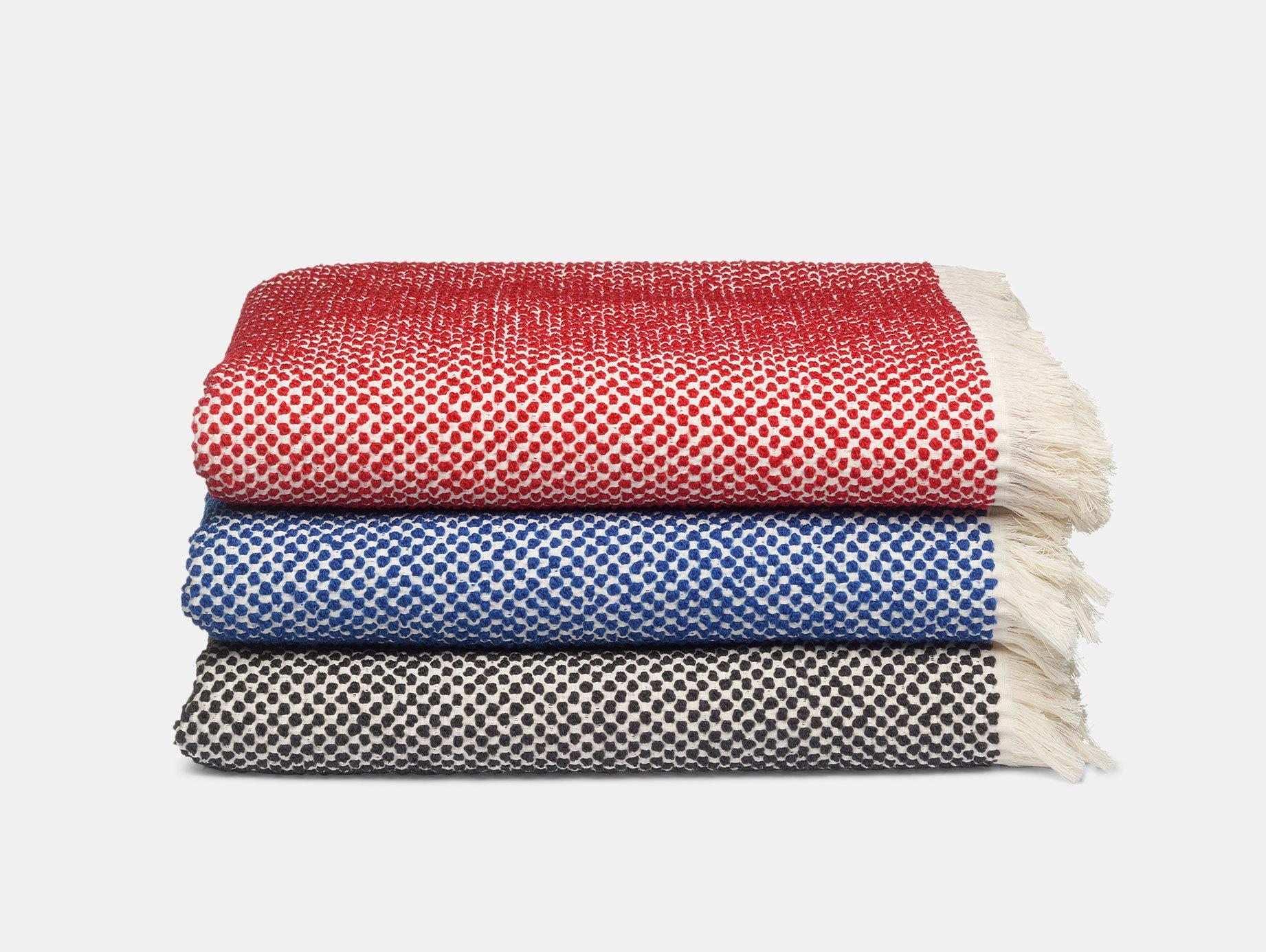 E15 Dotto Blankets