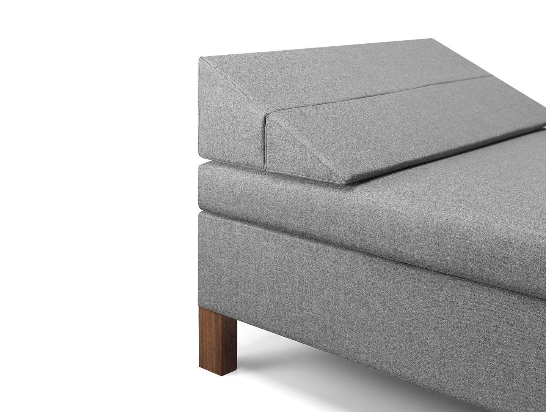 E15 Senckenberg Daybed Cushion Detail Ferdinand Kramer