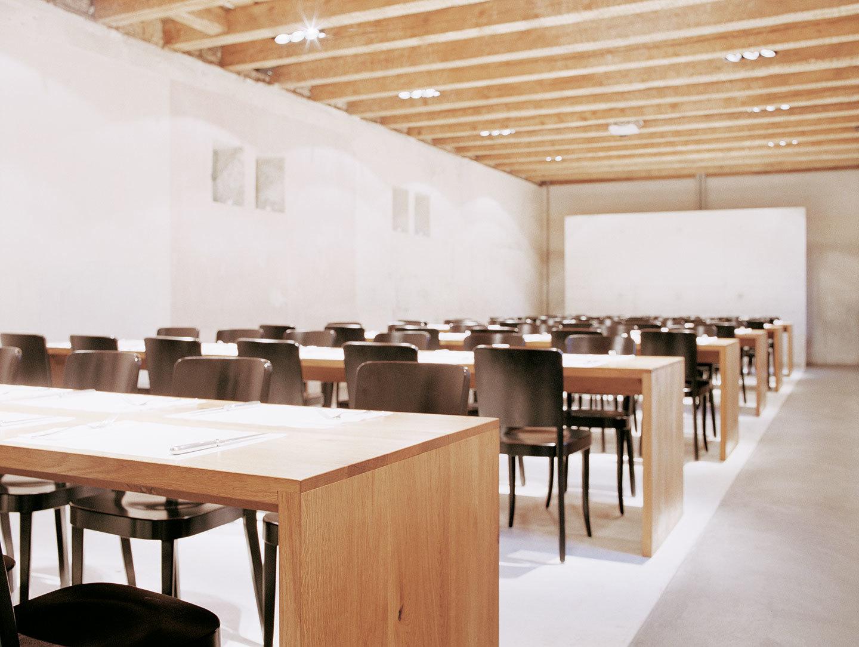 E15 Ponte Dining Table Oak Philipp Mainzer