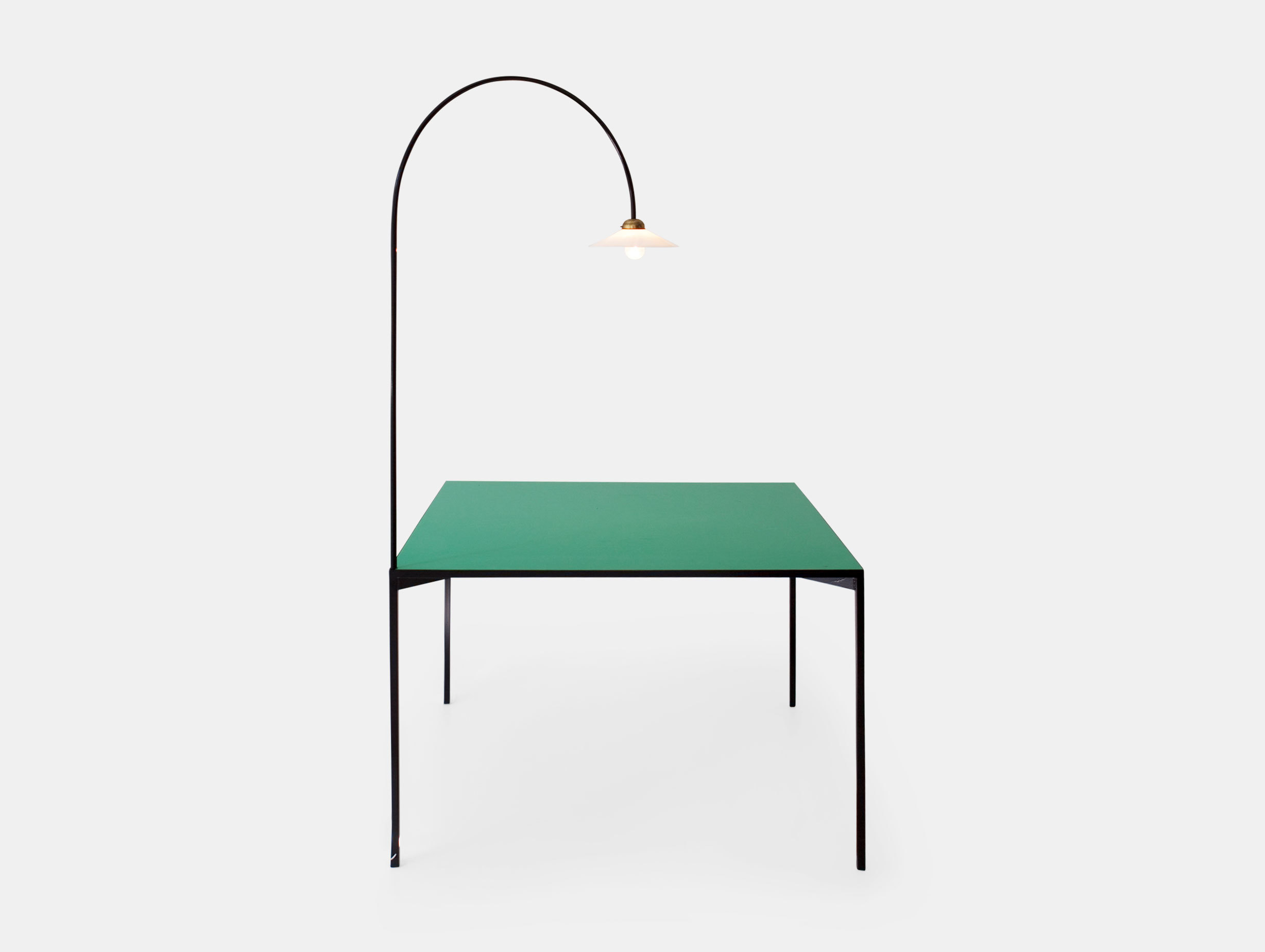 Table + Lamp image 1