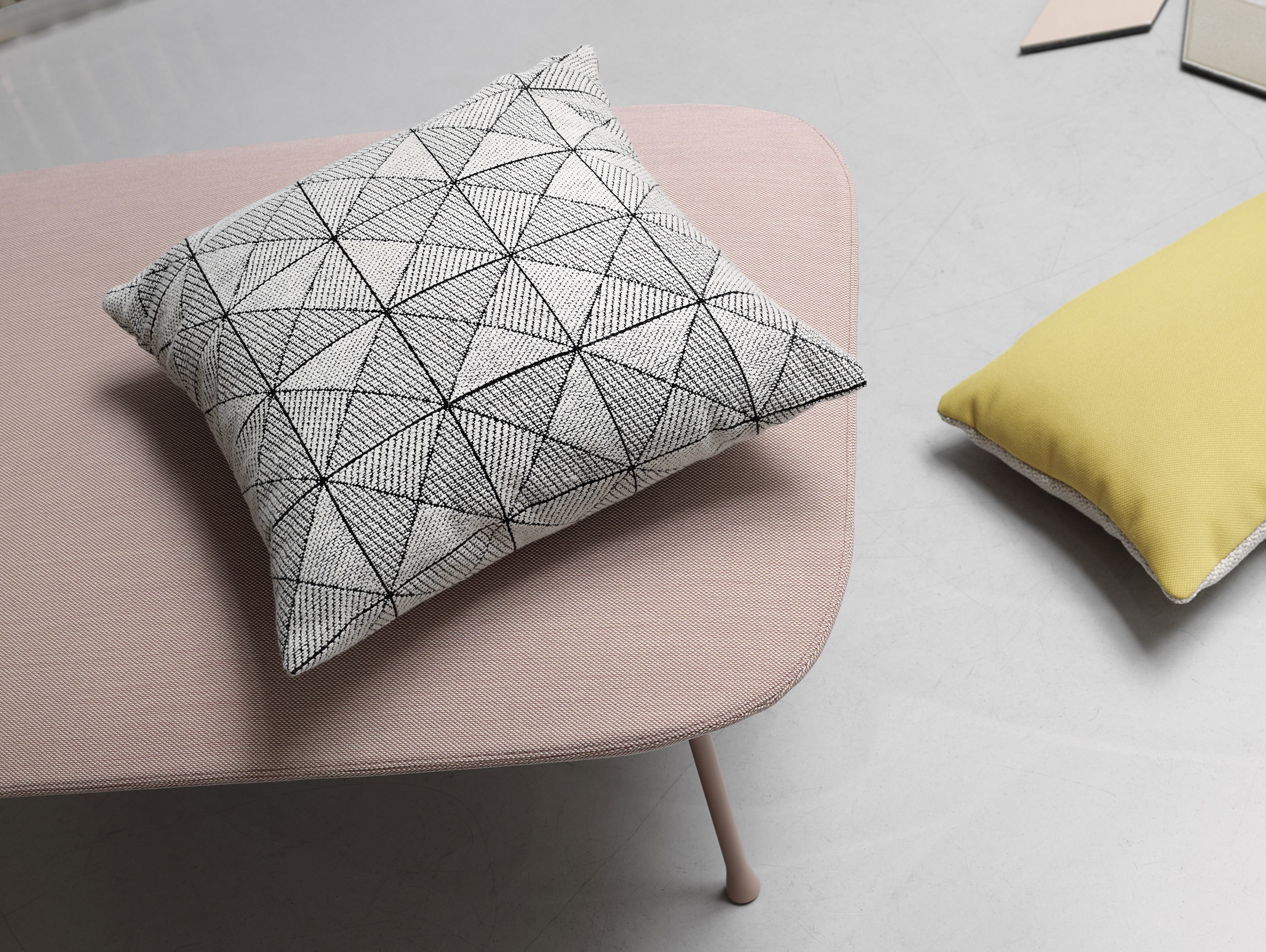 Muuto Tile Cushion Black White 2 Anderssen Voll