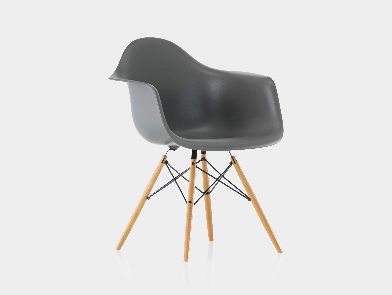 Eames DAW Plastic Armchair image 1