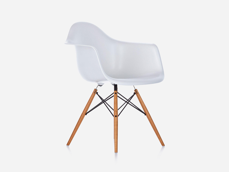 Eames DAW Plastic Armchair image 2