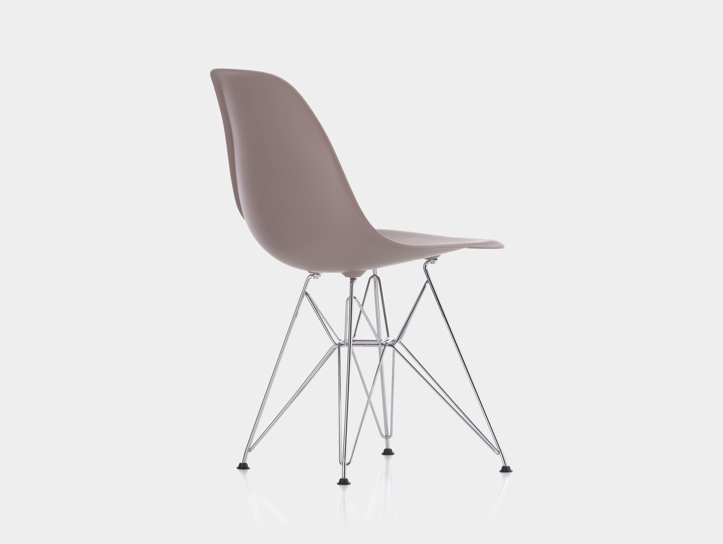 Eames DSR Plastic Side Chair image 4