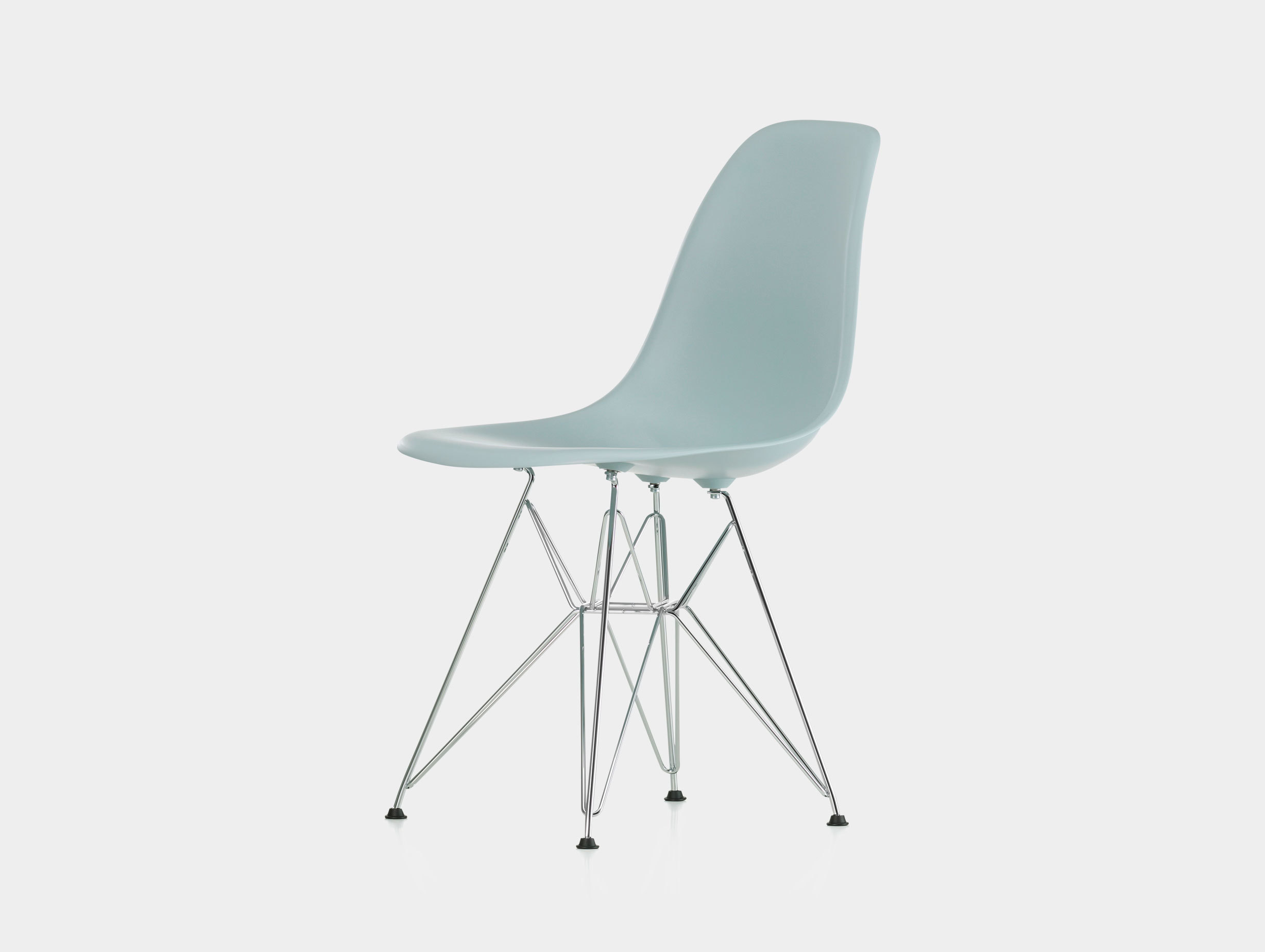 Eames DSR Plastic Side Chair image 3