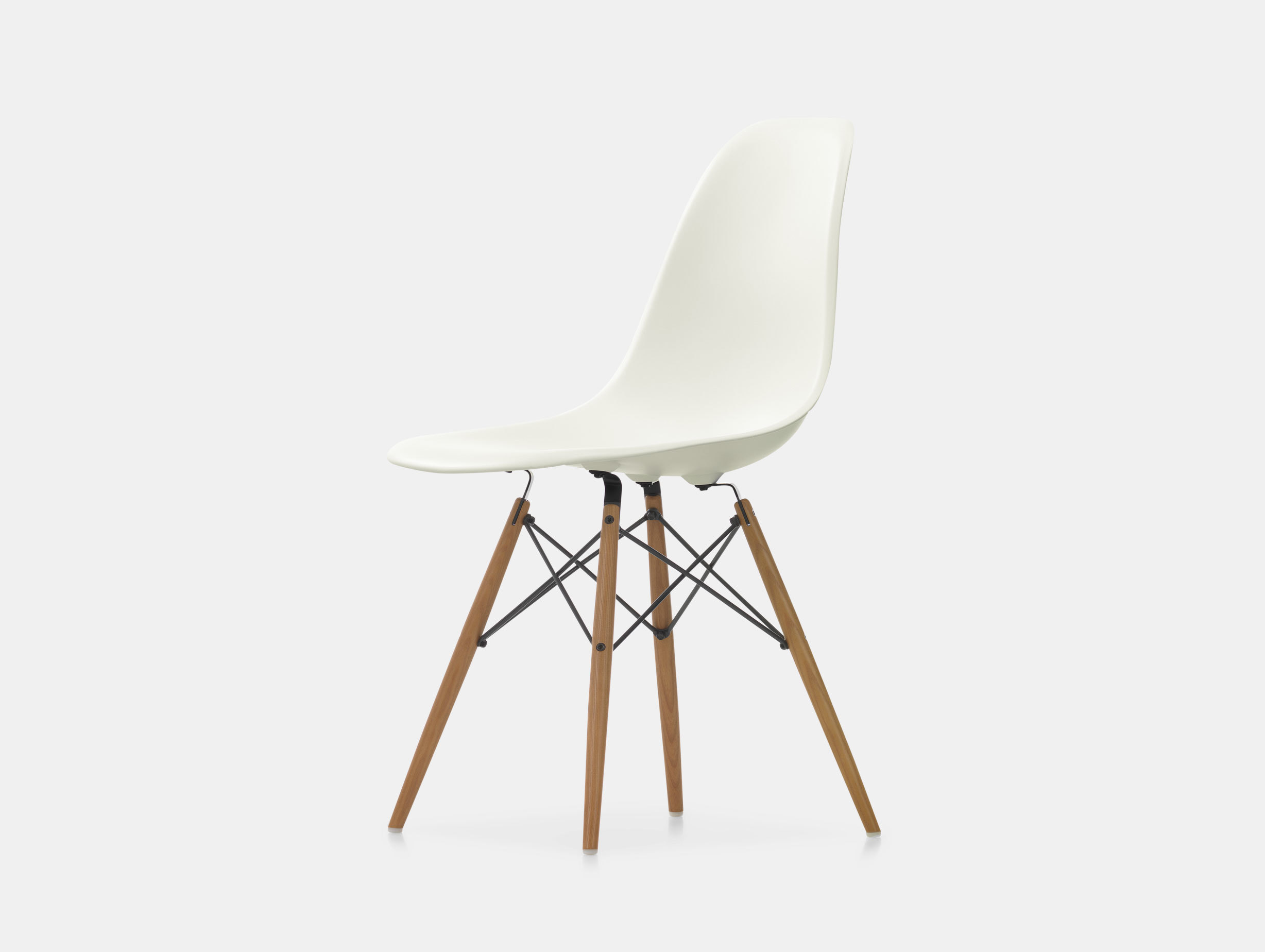 Eames DSW Plastic Side Chair image 4