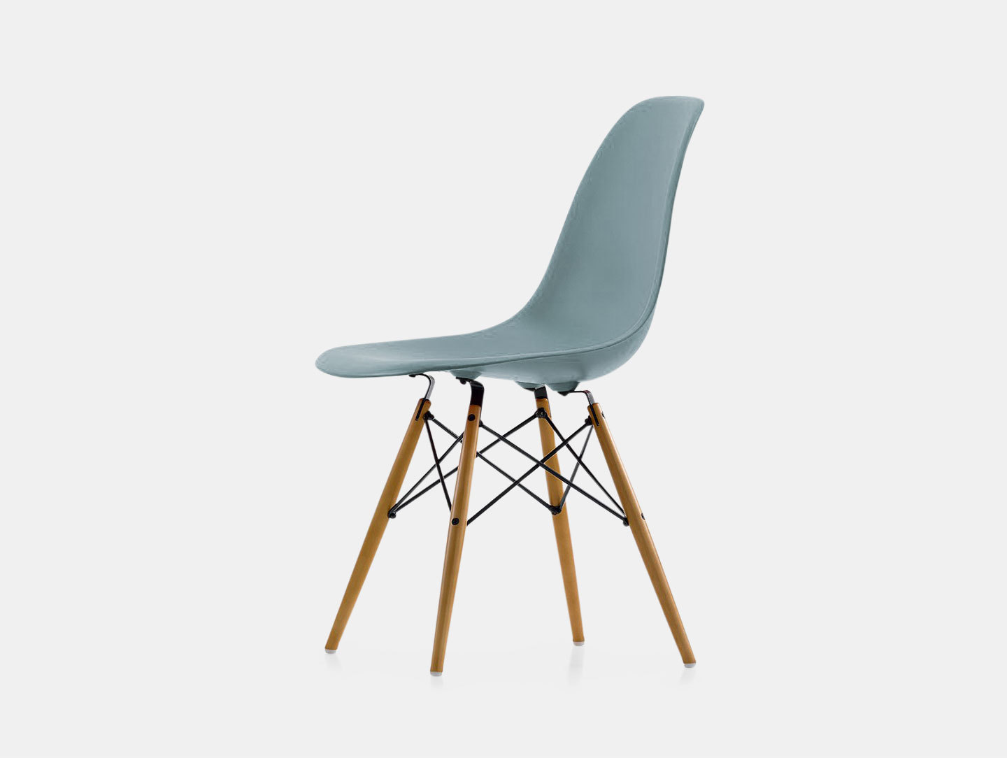 Eames DSW Plastic Side Chair image 1