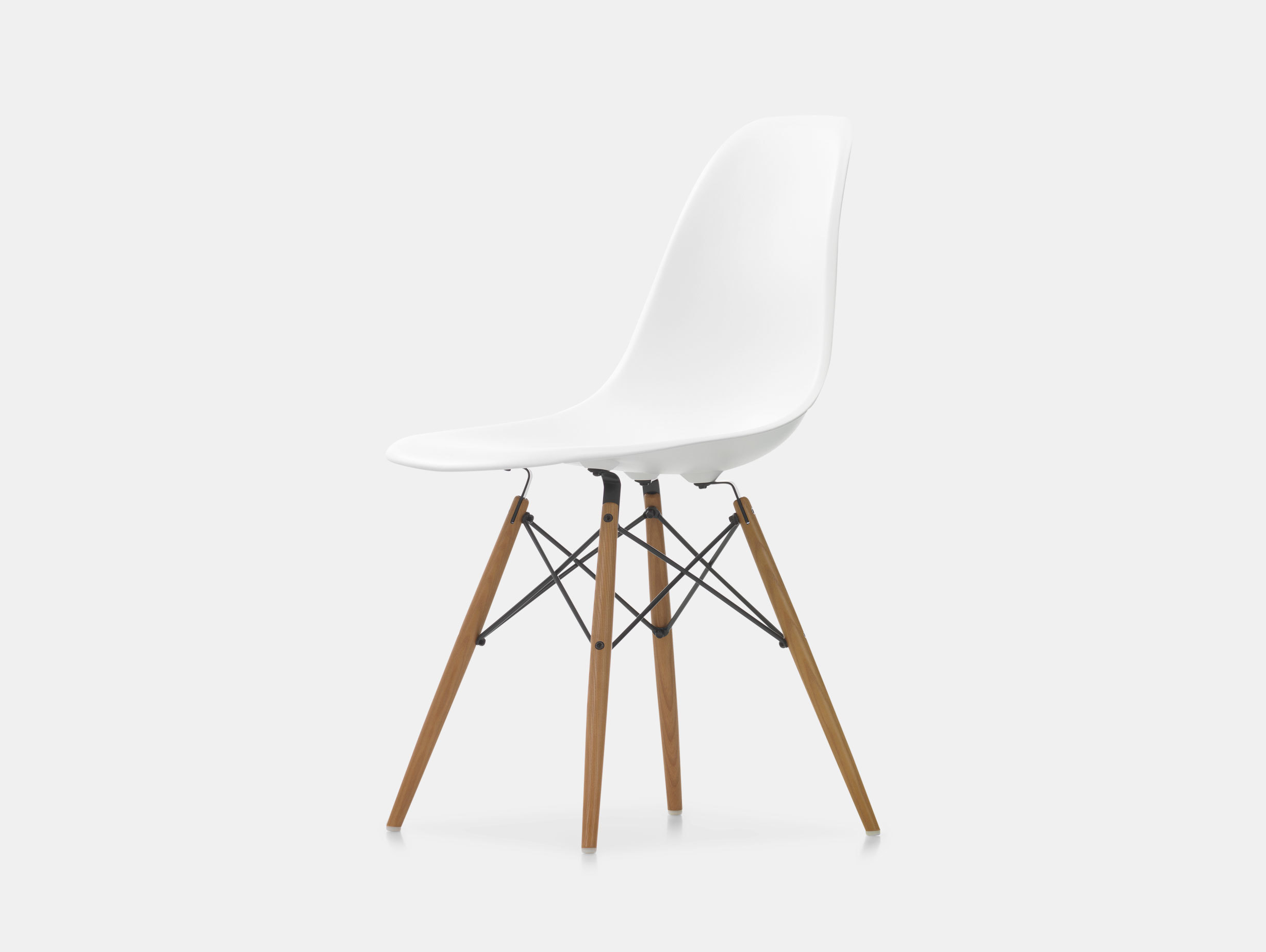 Eames DSW Plastic Side Chair image 3