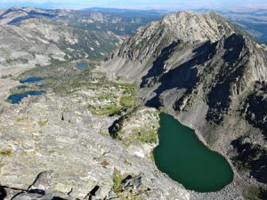 Beehive Lake and Spanish Lakes | Photo: AMountainJourney.com