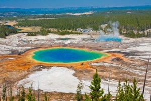 grand prismatic spring | Shutterstock