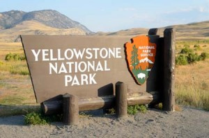 yellowstone national park sign | Shutterstock