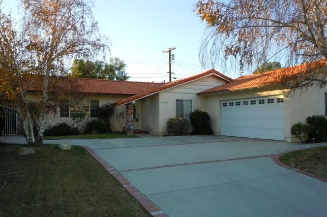 10009 Oso Ave.