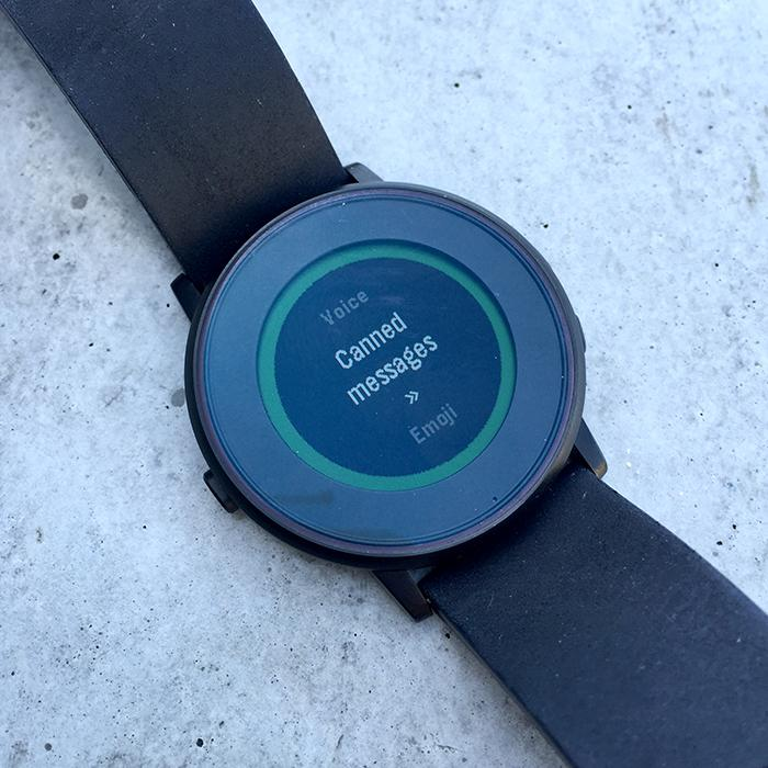 Pebble Time Round messages screen