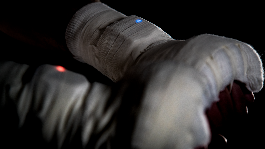 Hykso boxing sensor in hand wraps