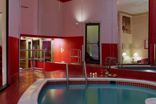 RomanTowers Pool_PP