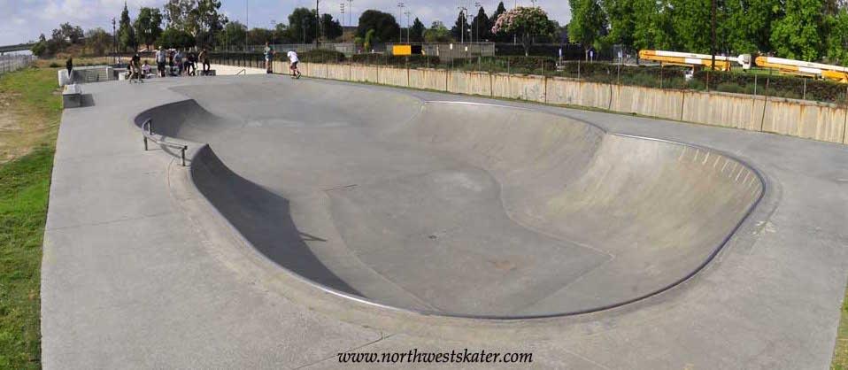 caruthers skatepark, bellflower, california