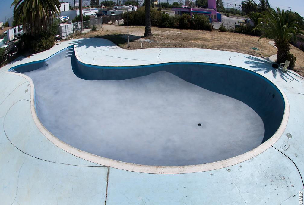 pink motel, sun valley, california