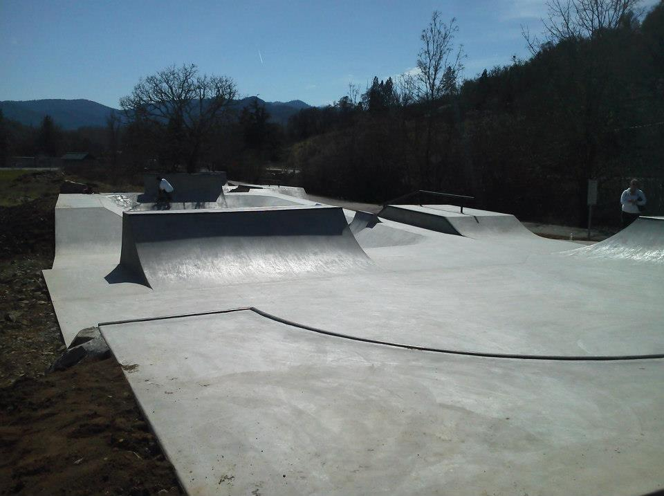 gold hill skatepark, gold hill, oregon