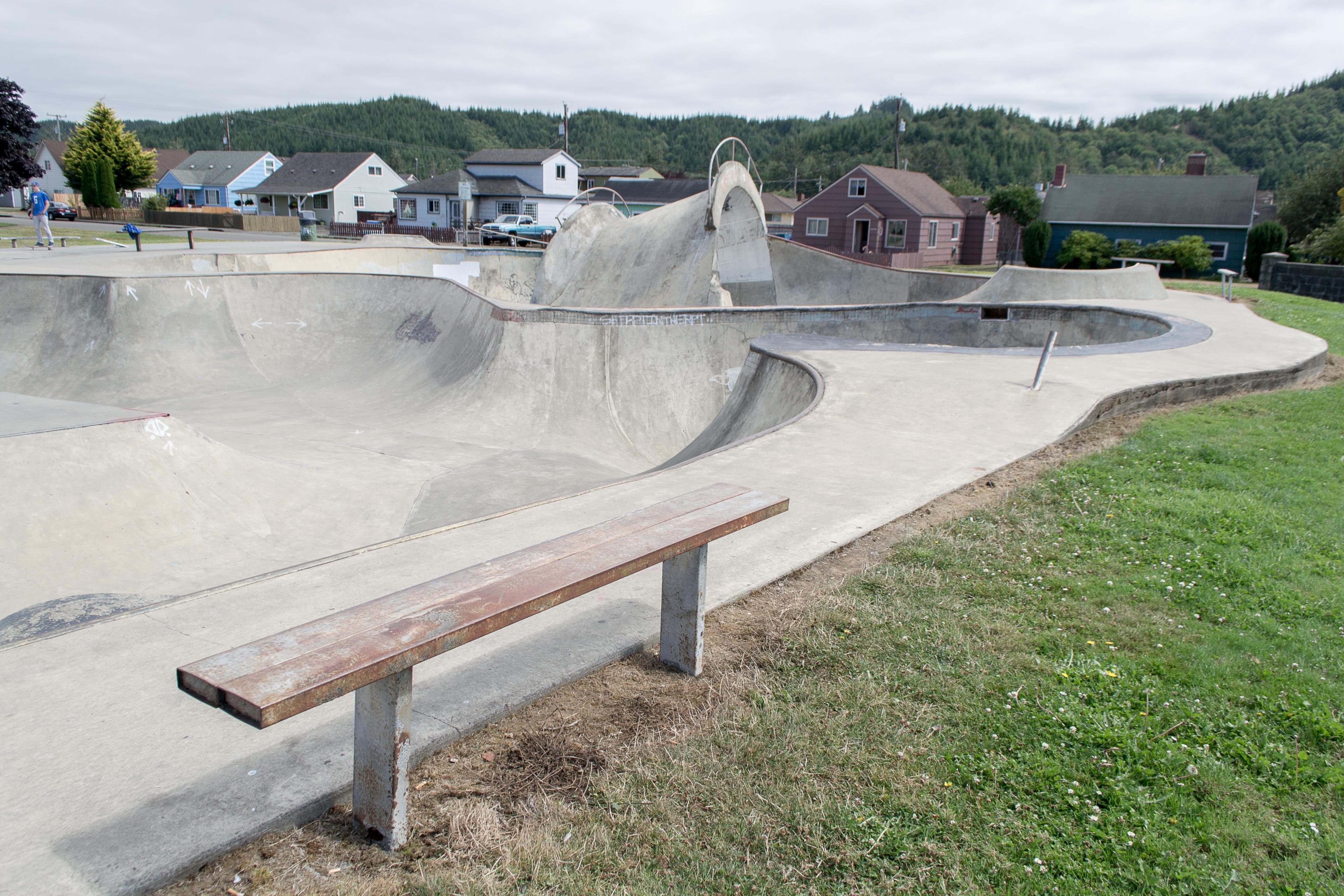 reedsport skatepark, reedsport, oregon