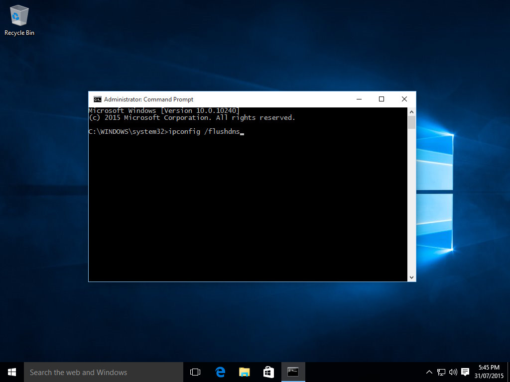 Windows 10 Flush DNS - Paso 4 - Escriba 'ipconfig / flushdns'