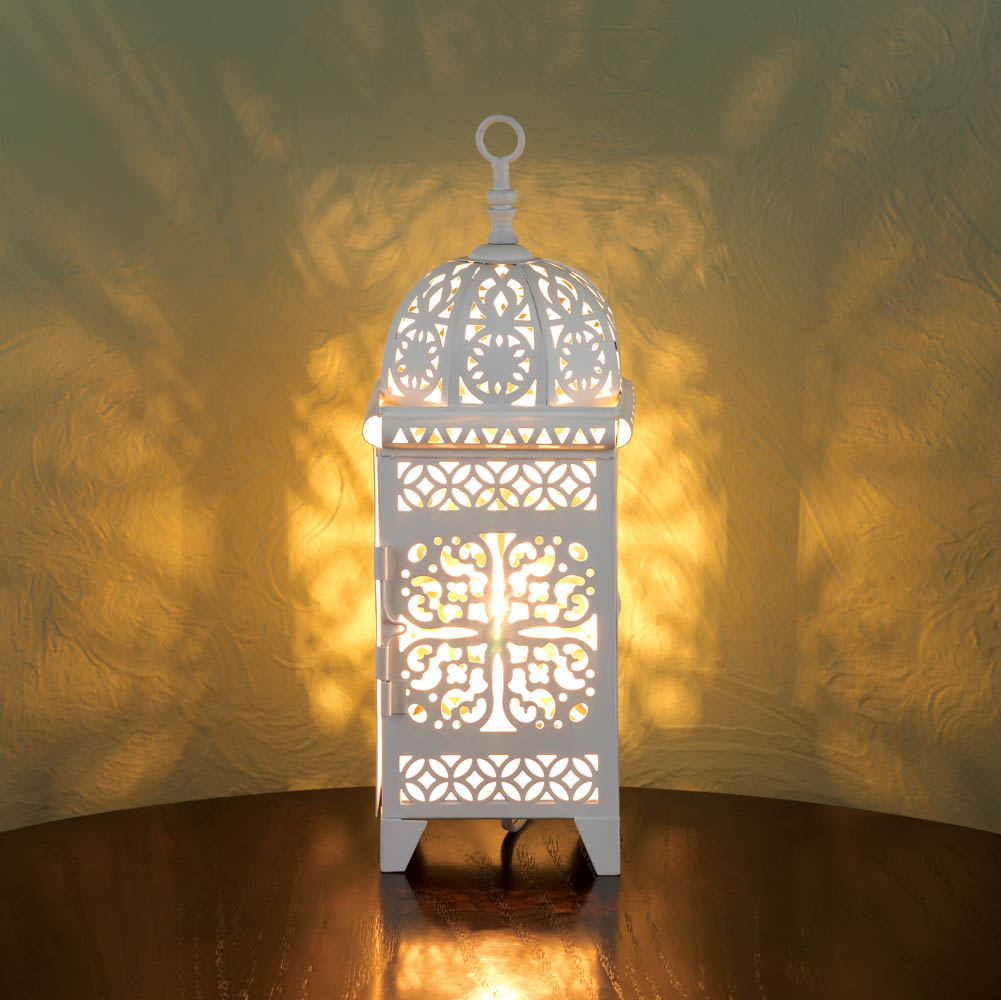 Wholesale Small White Scrollwork Table Lamp