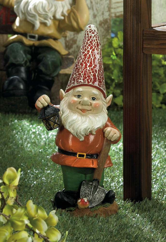 Delicieux Little Lantern Gnome Solar Statue   10016217
