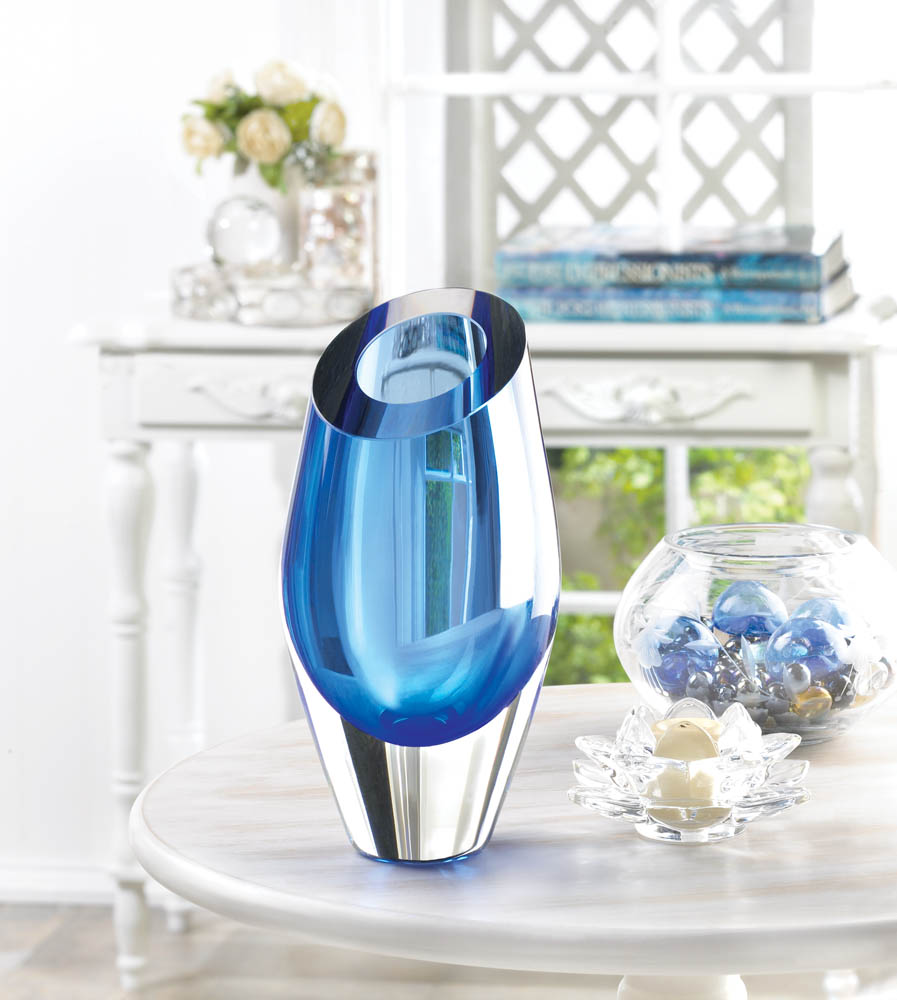 wholesale blue cut glass vase buy wholesale vases. Black Bedroom Furniture Sets. Home Design Ideas
