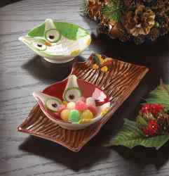 Wholesale Holiday Hoot Snack Plates for sale at  bulk cheap prices!