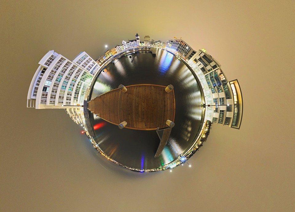 360-degree panorama image