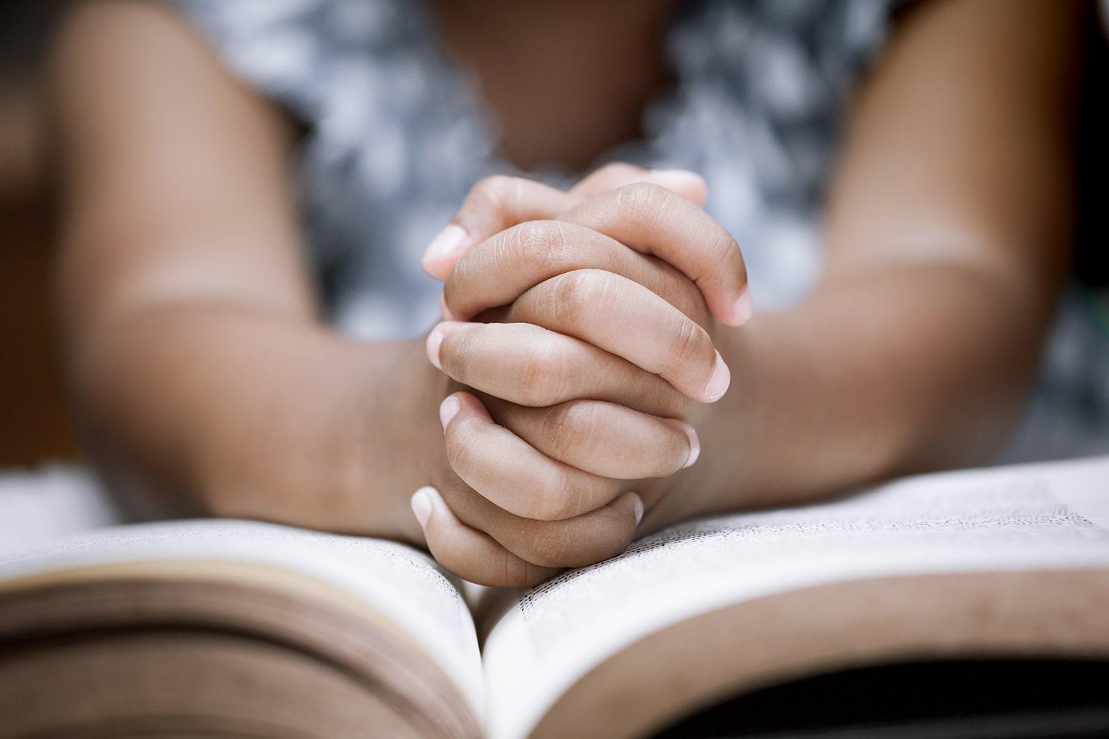 prayer-line