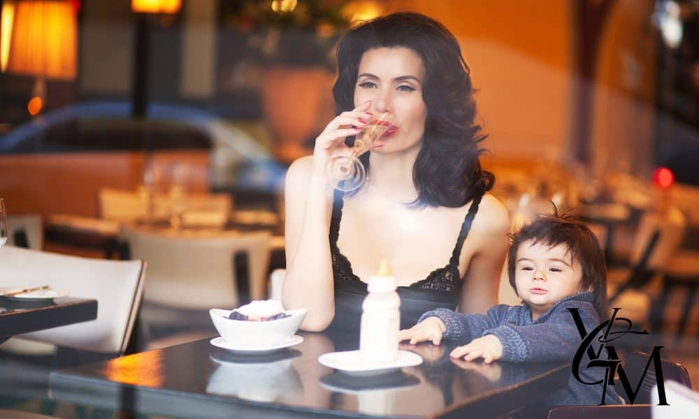 Nadja-atwal-with-son-afternoon-drinks-MARSEILLE-mr-viva-glam-2