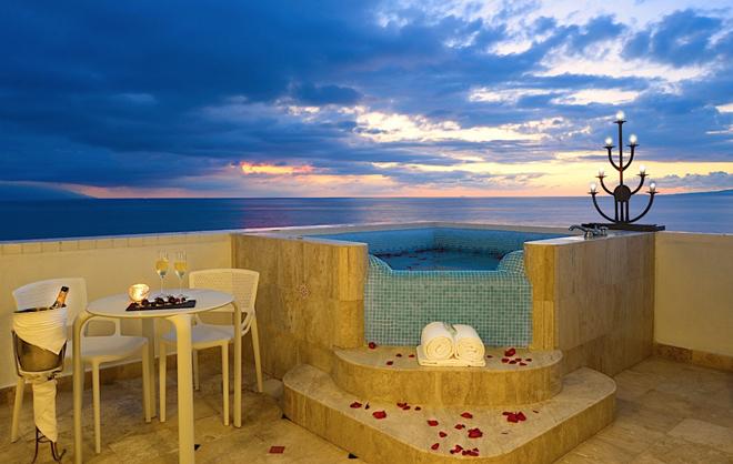 Villa-Premiere-Puerto-Vallarta-Mexico-Suite_hot_tub