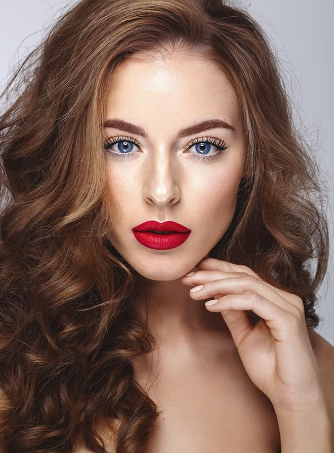 7-Cocktail-Party-Makeup-Looks-That-Compliment-Your-Dresses-red-lips