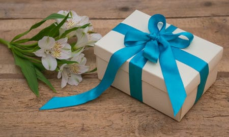 9-Personalized-Birthday-Gifts-That-People-Actually-Use-in-2019-present-and-flowers