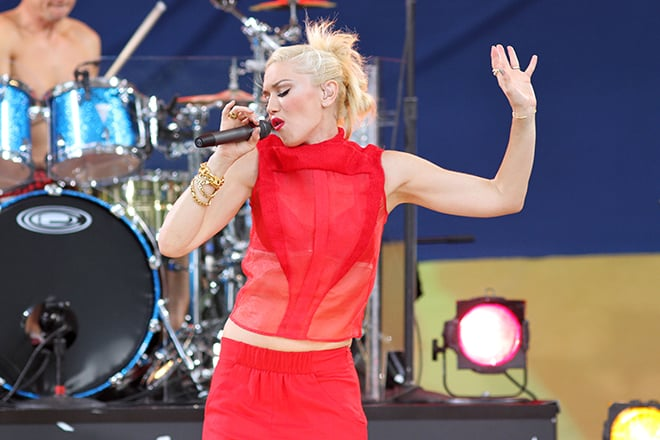 Five-of-the-hottest-things-happening-in-vegas-this-year-bellagio-fountain-gwen-stefani-performing