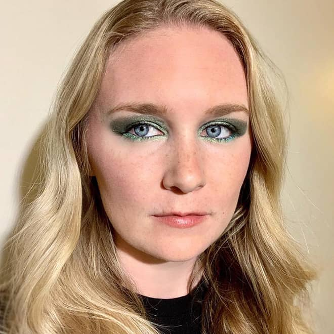 covergirls-new-line-covers-the-full-spectrum-of-women-cover-girl-full-spectrum-malorie-mackey-electric-green-eyeshadow-2